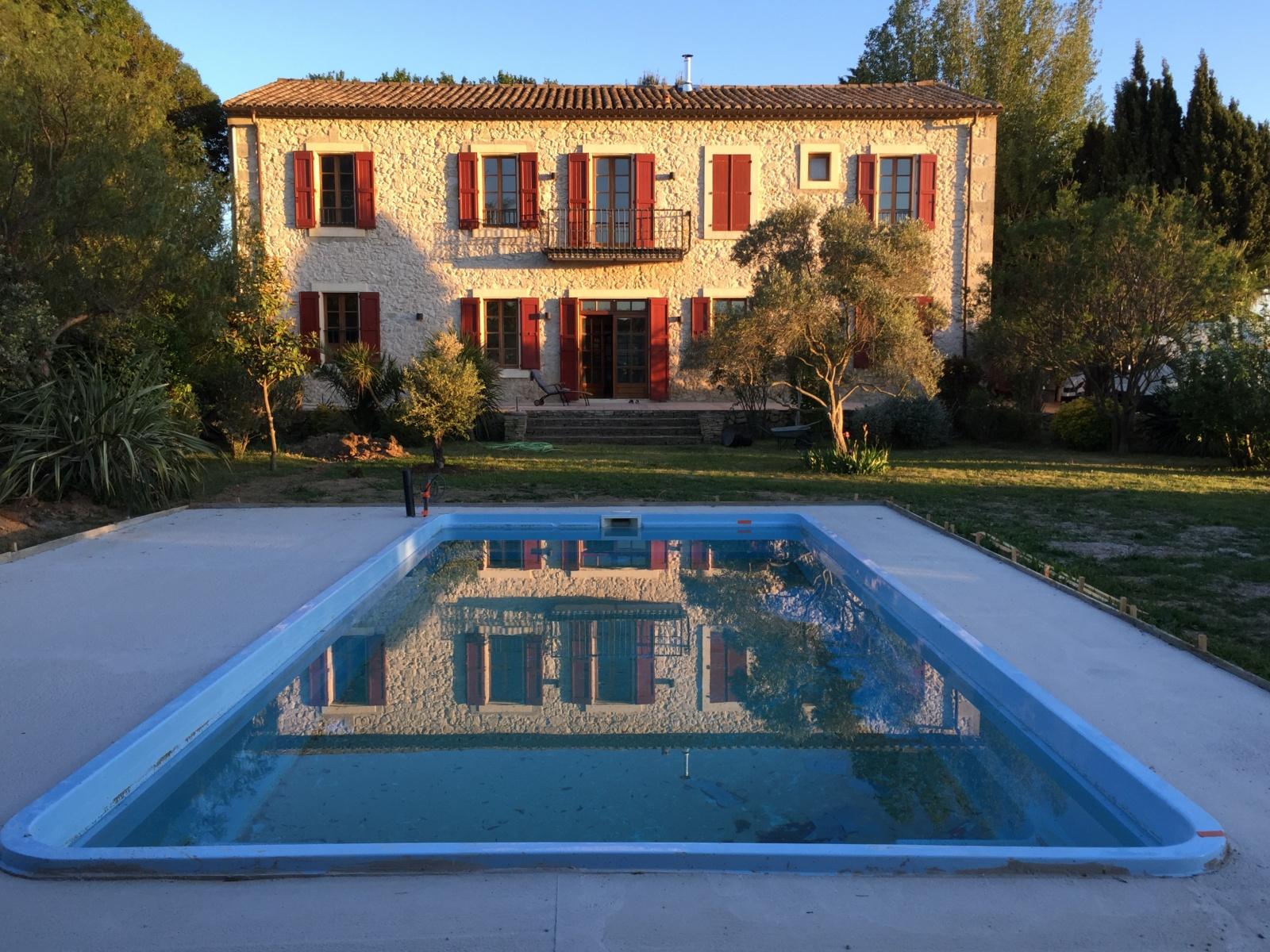 La_Broutte_Pool-mit-Wasser